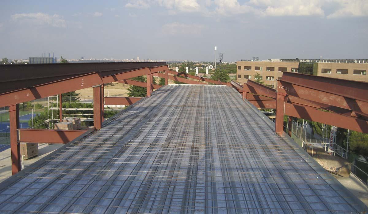 construccion-nueva-cubierta-edificio-universidad