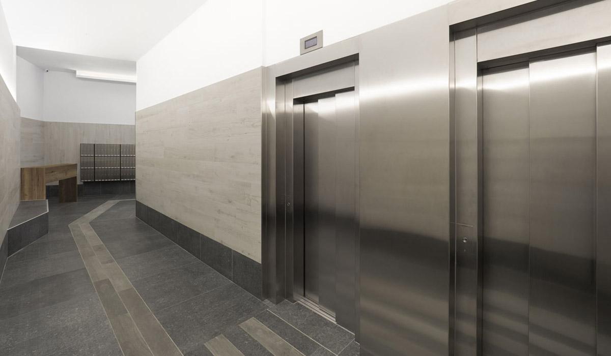 detalle-ascensores-a-cota-cero-reforma-integral-edificio