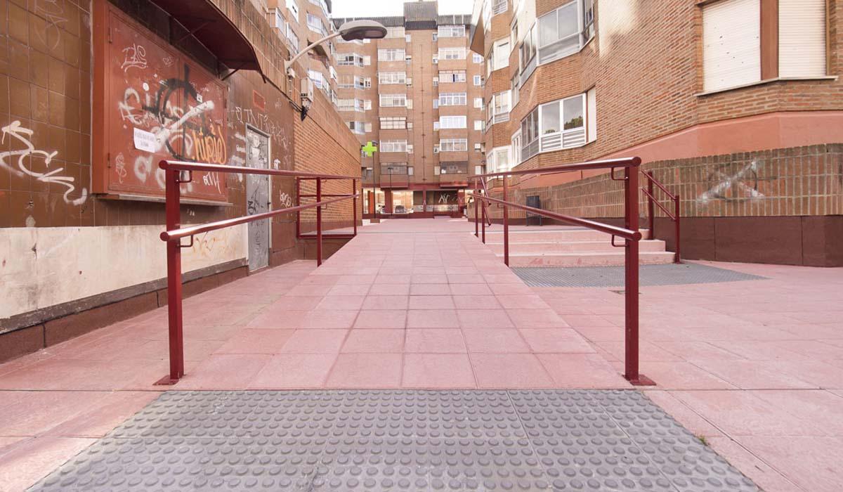 detalle-de-rampa-espacios-comunes-comunidad-vecinos-Valladolid