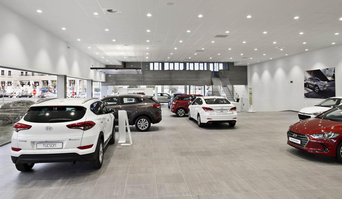 exposicion-concesionario-coches-hyundai-reforma