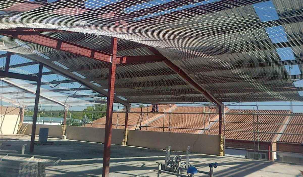 medidas-seguridad-al-construir-cubierta-UFV-Madrid