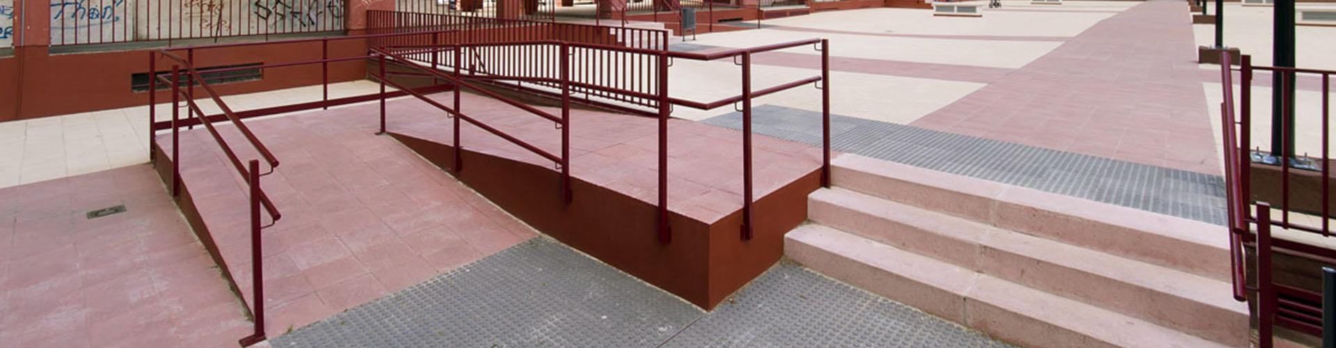 rehabilitacion-espacios-comunes-urbanizacion-San-Pio-rampa-Slider