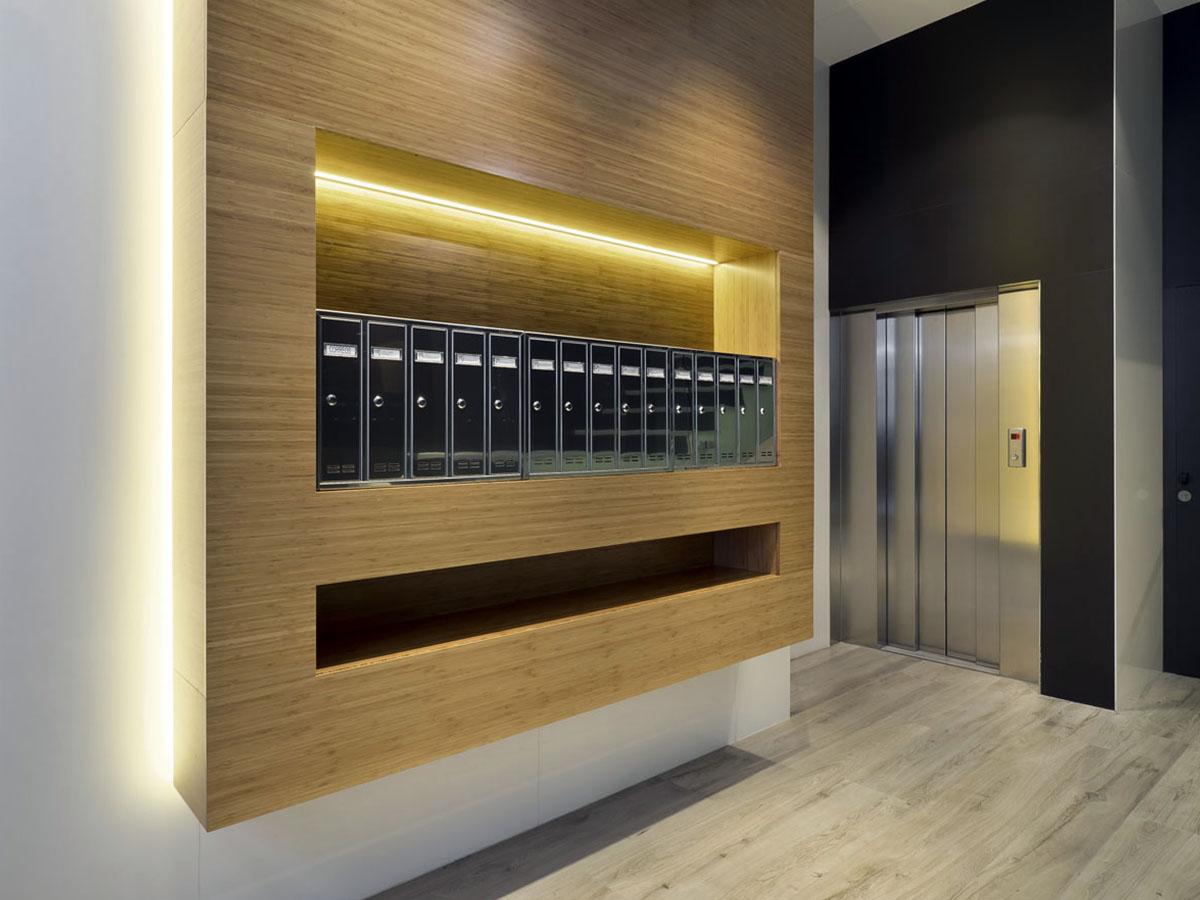 Bajada ascensor reforma portal calle Felipe II Valladolid