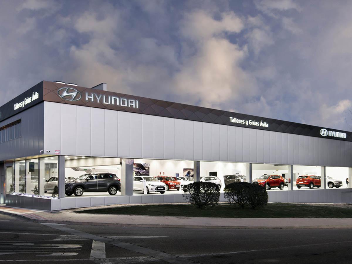 Fachada tras reforma adecuacion comercial concesionario Hyundai