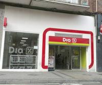 Rehabilitacion y mantenimiento de la fachada del supermercado DIA en la Calle Labradores